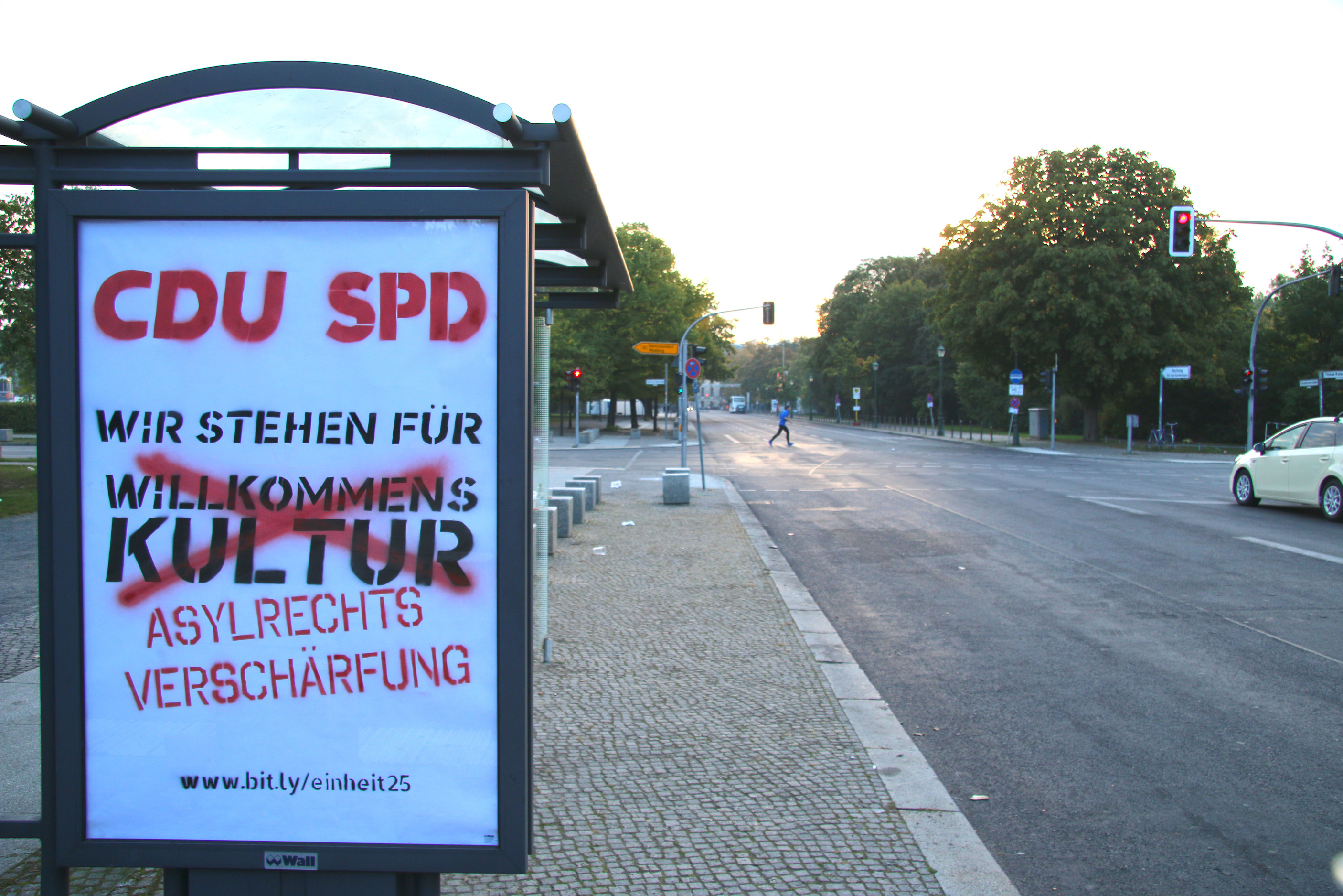Noch ein Adbusting am Reichstag