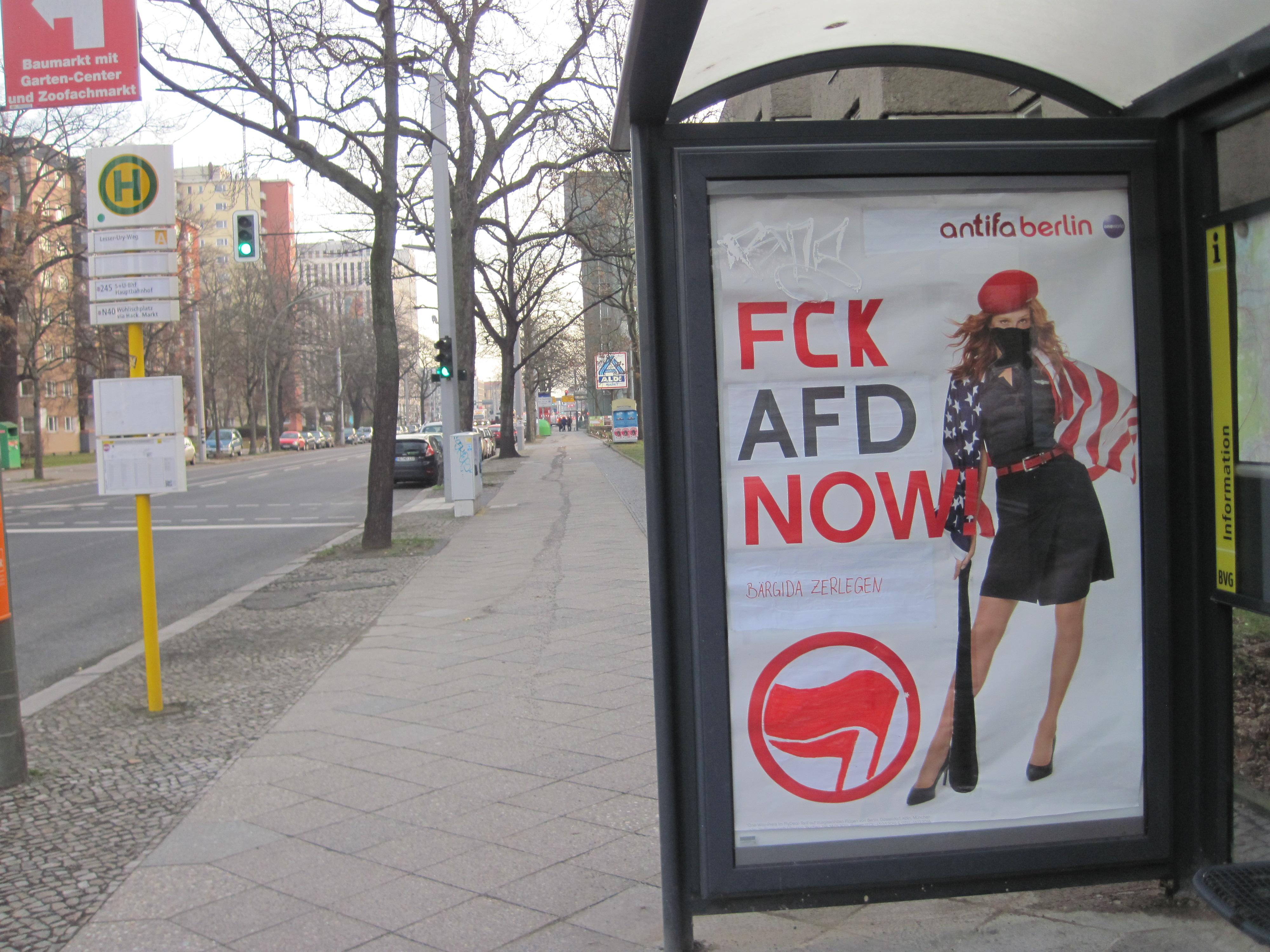 FCK AFD statt Fly USA- Adbusting am Berliner HBF